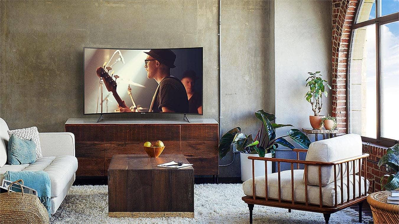 Smart Tivi 4K Samsung 55NU7300 tăng cường độ sâu hình ảnh