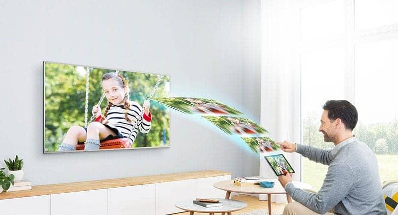 Smart Tivi Samsung 4K 65 inch UA65NU7400 trình chiếu điện thoại lên tivi